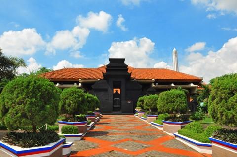 Anjungan Jawa Timur Taman Mini Indonesia Indah